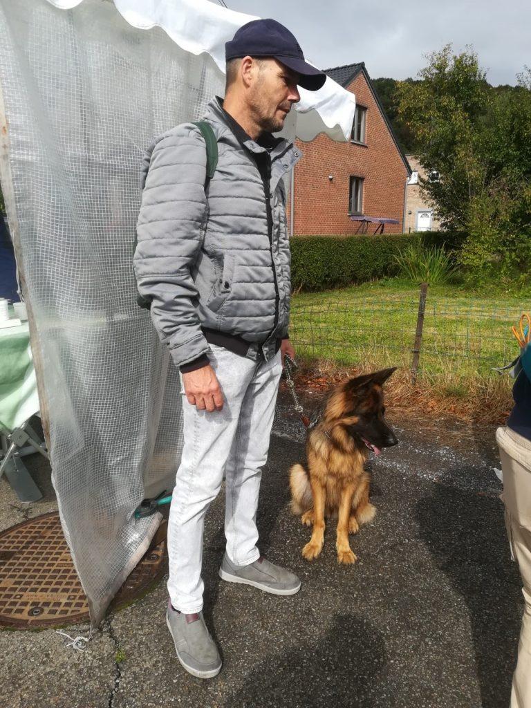 duitse herder training op de markt